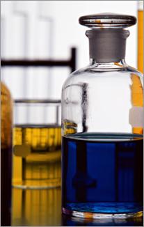 各種フッ素ゴムの耐油性、耐薬品性
